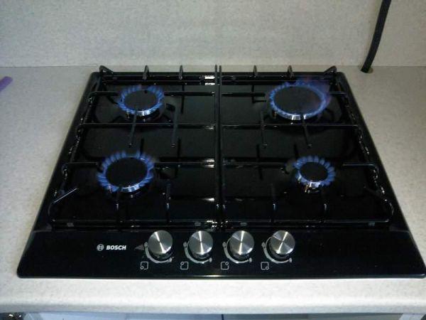 Варочная поверхность Bosch PCP616B80E на кухне